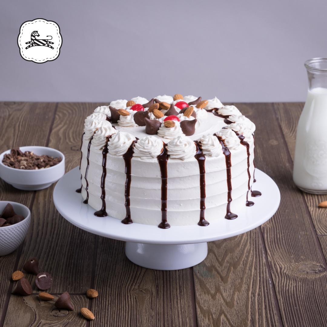 Suqiée - Los Pasteles de Luzma - Pasteles - Cakes - Pastel de Kisses con Almendras